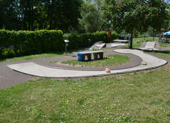 Betonbahnen: Minigolf